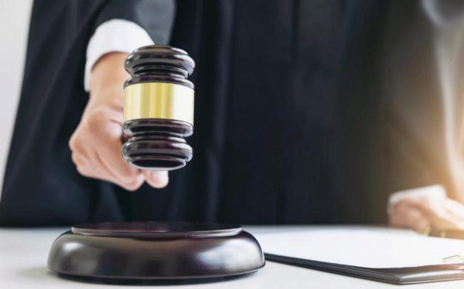 Sentencias: Subirse el sueldo sin permiso y otras estafas que llegan al juez