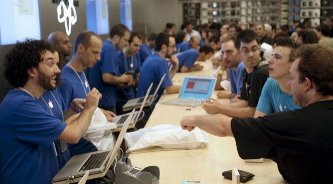 Inauguración de la primera Apple Store en Barcelona.