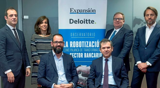 De izq. a dcha.: Luis González Gugel, socio responsable de robótica...