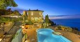 Roquebrune-Cap-Martin está en la Costa Azul, a apenas diez minutos en...