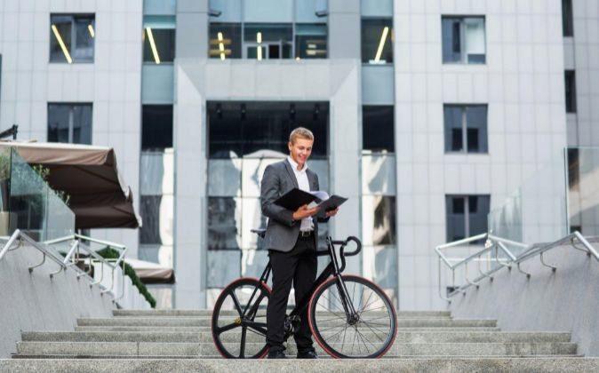 Cobrar por ir al trabajo en bicicleta, la última iniciativa holandesa