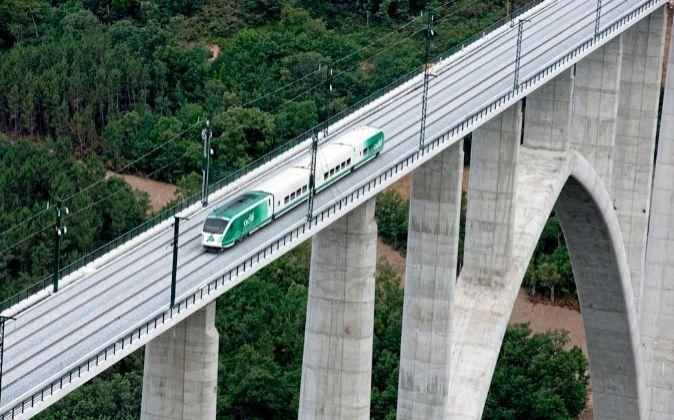 Adif adjudica varios contratos para diversas líneas de alta velocidad por 107 millones
