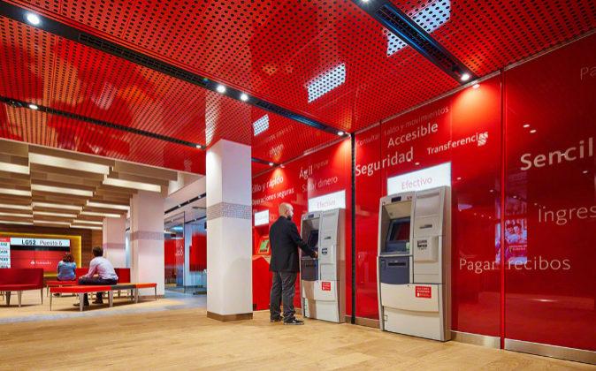 Santander y los sindicatos firman el acuerdo para abrir for Oficinas banco santander en gijon