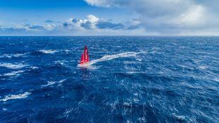El Mapfre, a vista de dron, durante la etapa reina de la Volvo Ocean...