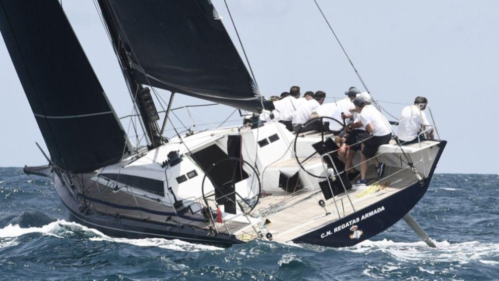 El nuevo Aifos, de la Armada, compitiendo en el XX Trofeo SM La Reina...