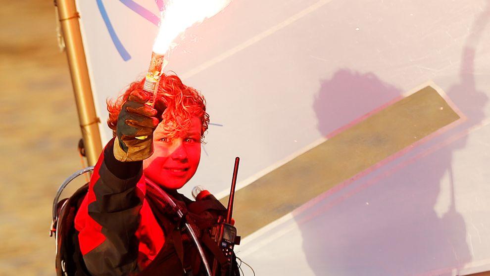 Tom Goron, tras cruzar el Canal de la Mancha.