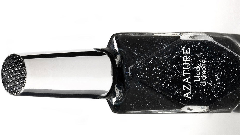 El polémico esmalte Azature con diamantes negros al que sólo podían...