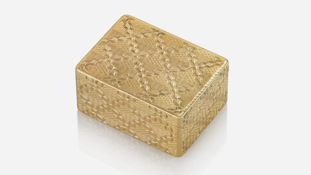 Christie's organiza una subasta de cajitas de oro provenientes de...