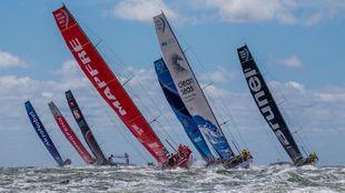 La flota, saliendo de Gotemburgo para disputar la última etapa de la...