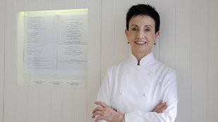 La cocinera Carme Ruscalleda fue la primera mujer en tener 8 estrellas...