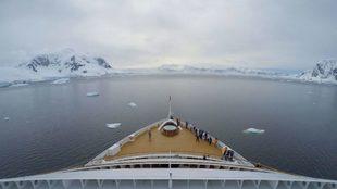 Un crucero, a su llegada a la Antártica.