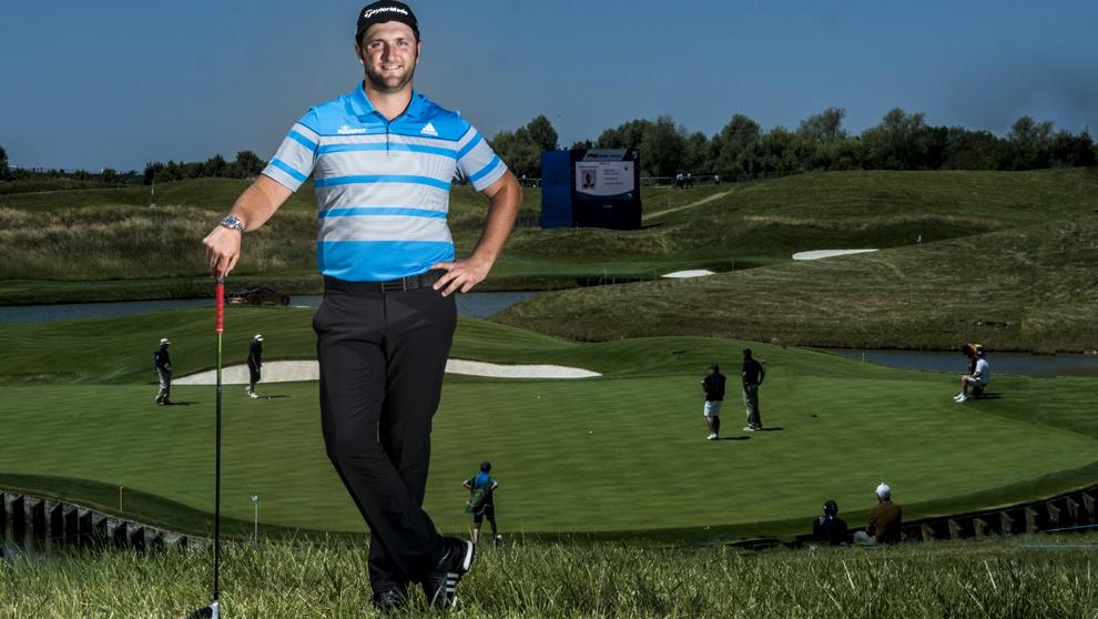 Jon Rahm, 23 años, en Le Golf National, en las inmediaciones de...