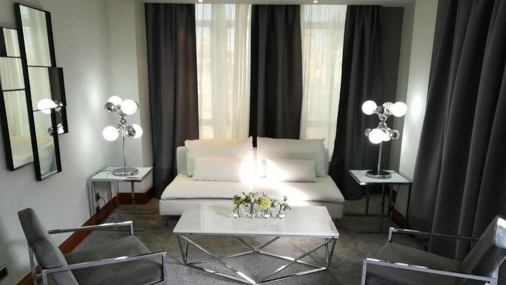 Imagen de la zona de estar de la suite La Prairie del Hotel Hesperia.