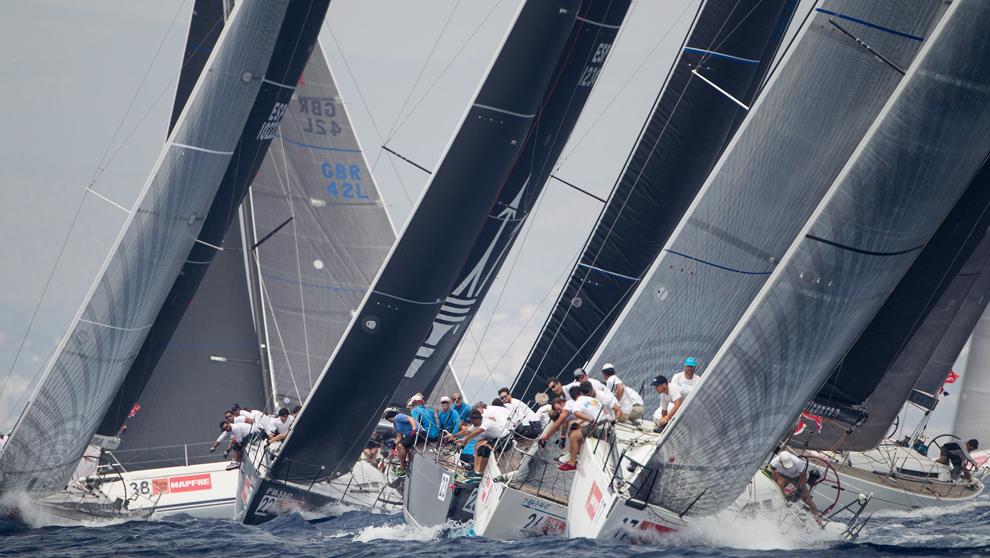 La flota de BMW ORC 1 compitiendo durante la pasada edición.