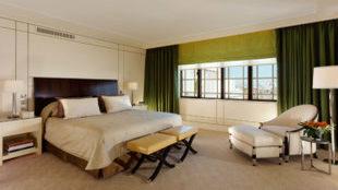 Dormitorio de la suite Harlequin, que aun guarda la esencia de la...