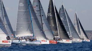 La flota de BMW ORC 2, en la bahía de Palma.