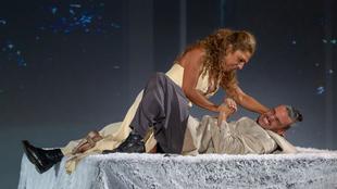 Lolita Flores interpreta a Fedra en su debut en el teatro trágico.