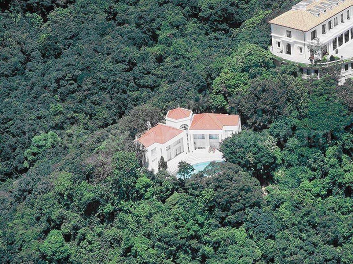 Construida en 1991, esta villa familiar de 4 dormitorios y 4 cuartos...