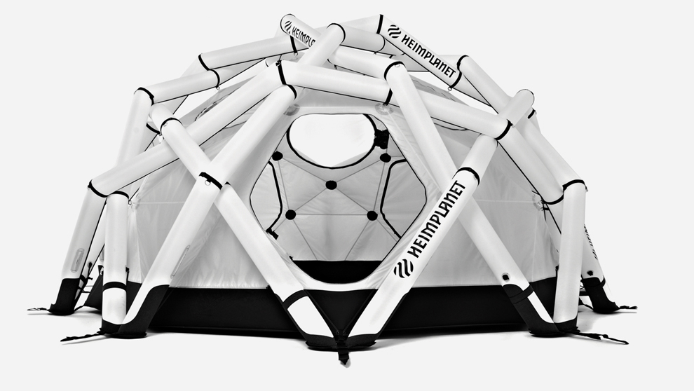 La estructura permite almacenar 200 vinilos en los dos huecos ideados...