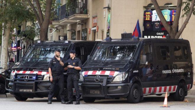 Sindicatos de Mossos piden Tasers y más seguridad en las comisarías