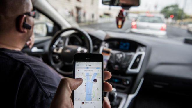 Aplicación de Uber en el móvil de un pasajero de su servicio.