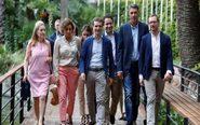 El presidente del PP, Pablo Casado, acompañado por (de izda. a dcha.)...