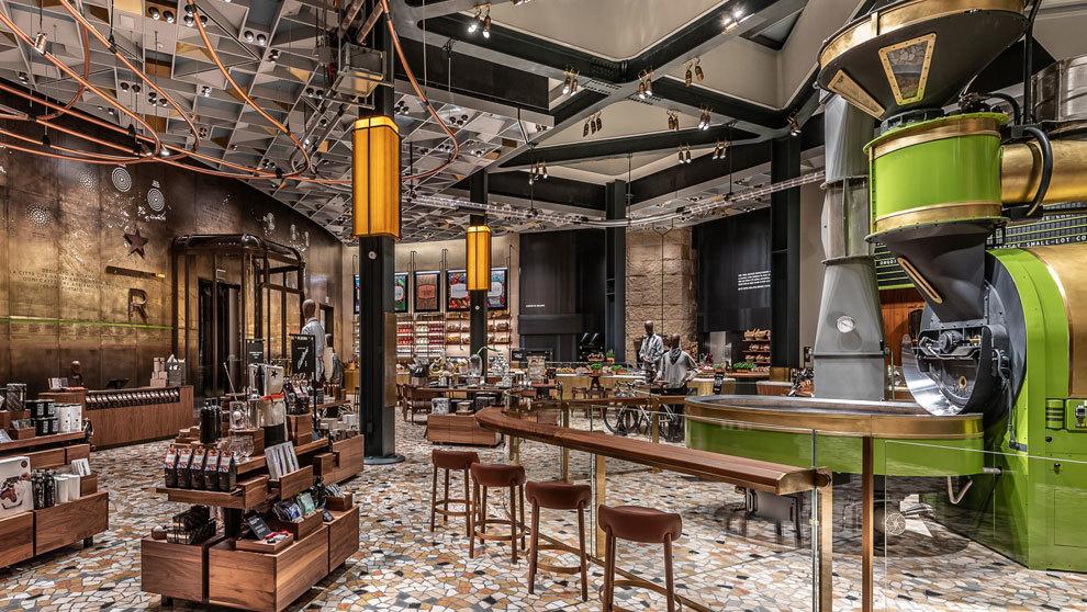 La Piazza del Duomo es el emplazamiento elegido del primer Starbucks...