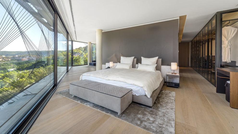 La casa más cara tiene siete dormitorios como el de la imagen y...