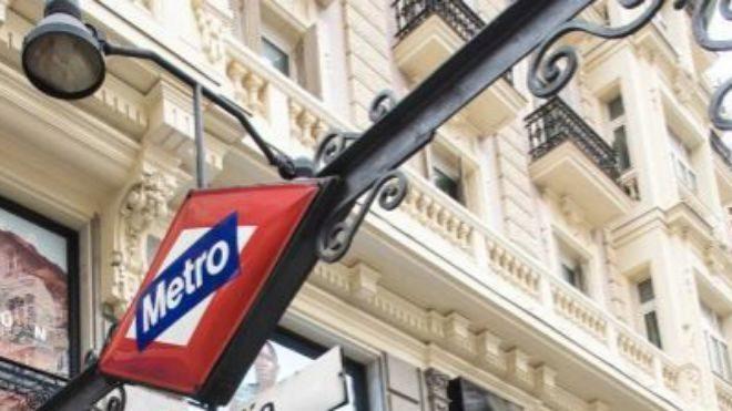 Explotó una tablet en el metro de Madrid y desató el caos