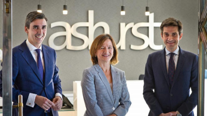 Ashurst refuerza mercantil y procesal