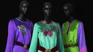 Tres conjuntos de noche de la colección de alta costura del otoño...