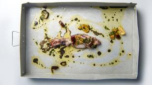 Chpirón a la bilbaína, receta de Sacha Hormaechea.