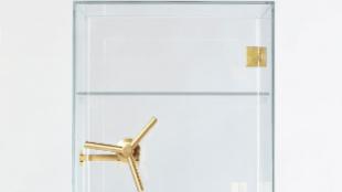 Caja fuerte de cristal, de CTRLZAK y Editions Milano. Precio: 8.174...