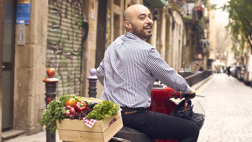 """Natale Russo presenta su libro """"Cocina tradicional italiana..."""