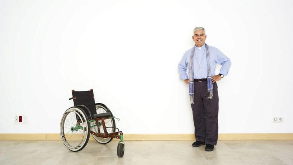 Enrique Figaredo, : el jesuita que ayudó a los refugiados en sillas de ruedas