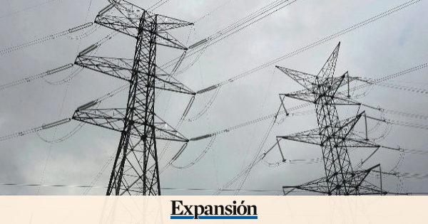 Las eléctricas acusan en Bolsa el pacto entre el Gobierno y Podemos para restringir sus beneficios