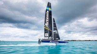 El catamarán de Artemis, durante la última edición de Copa...