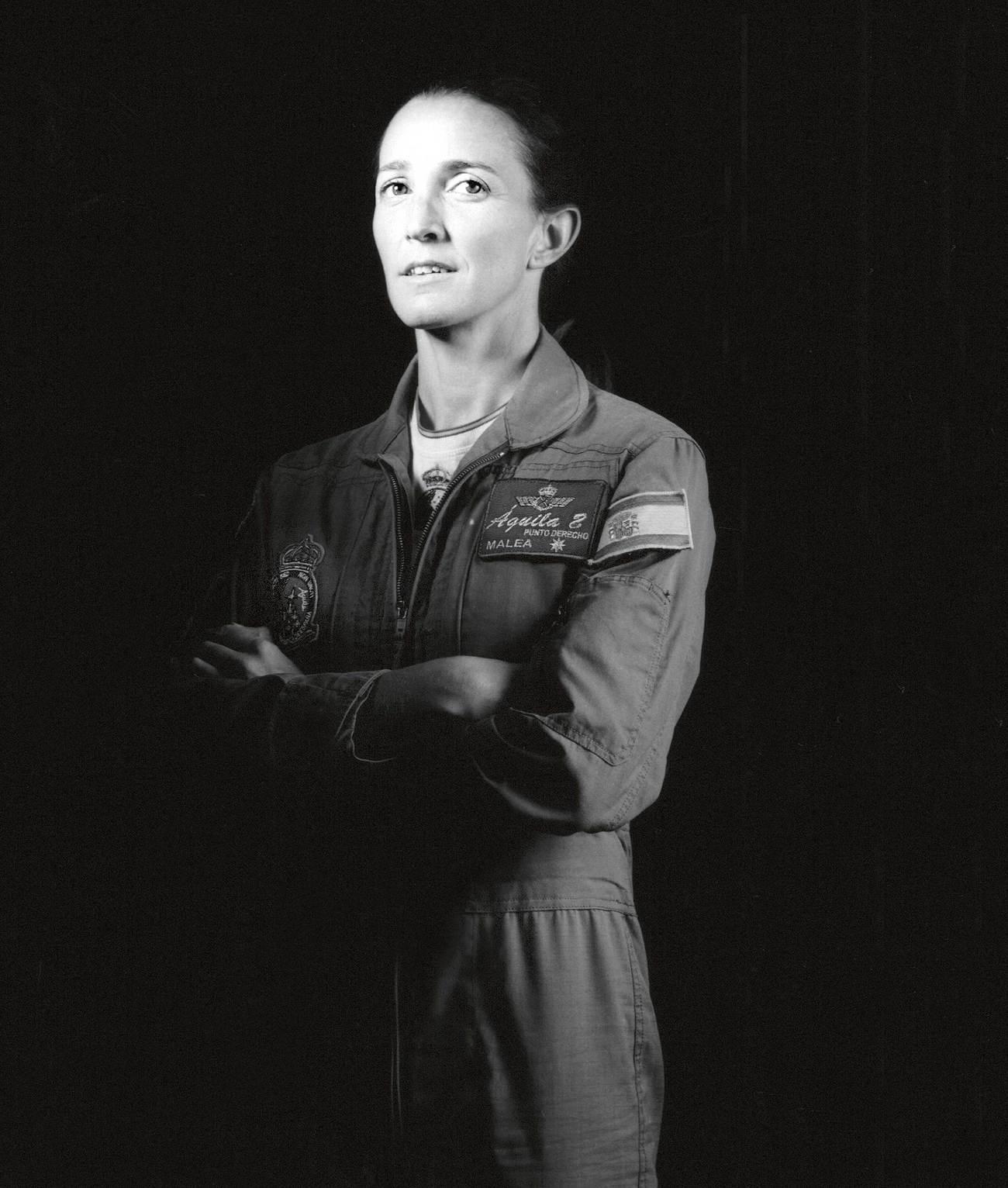 Almería, 37 años. Capitana del Ejército del Aire. Tras cinco años...