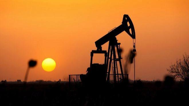 Irán comienza a vender petróleo en Bolsa para contrarrestar las sanciones de EEUU