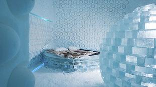 Hotel de hielo: Una de las 20 suites del Icehotel 365. Ubicado en la...