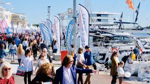 Visitantes del Valencia Boat Show 2018, durante la última jornada.