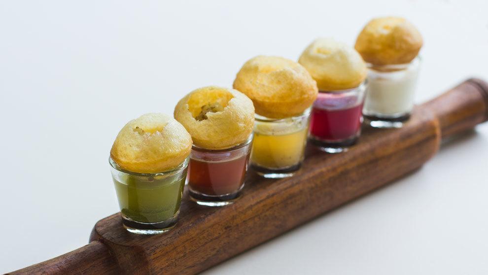 Sucesión de chupitos de distintos y exóticos sabores del chef Manish...