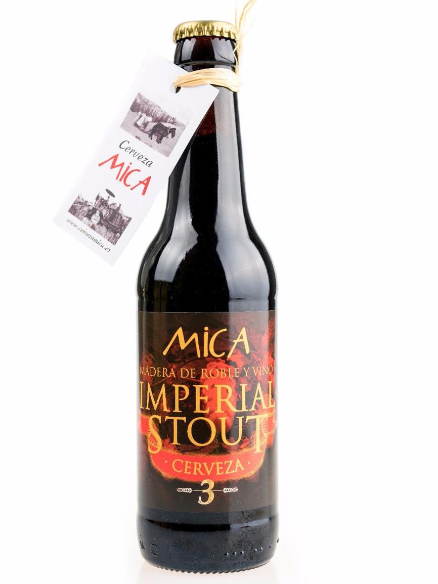 Premio en la categoría Imperial Stout. De color negro donde la malta...