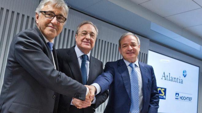 De izquierda a derecha, el consejero delegado de Atlantia, Giovanni...