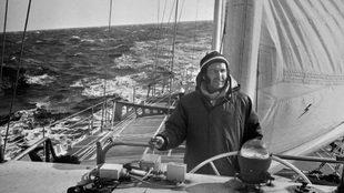 Alain Colas, a bordo del Club Mediterranee.