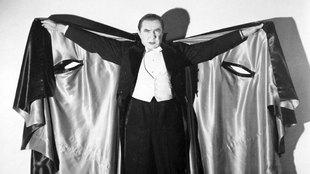 La capa de Drácula, que tan famoso hizo a su personaje, Béla Lugosi...