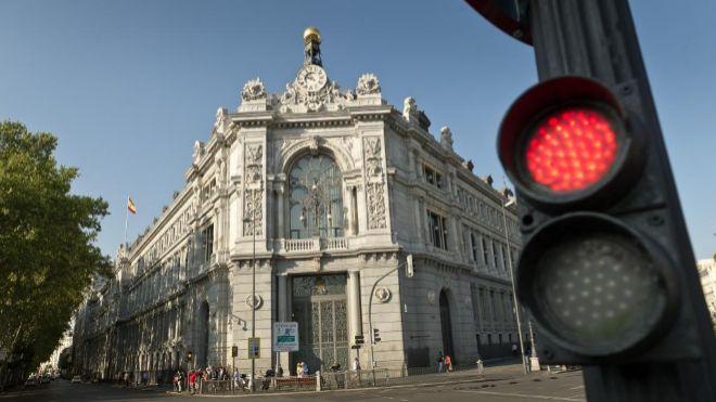 La solvencia de los bancos españoles está por encima de la exigida,...