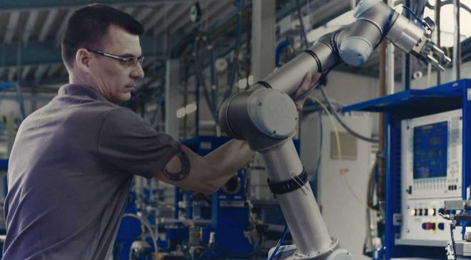 Imagen de un robot colaborativo de Universal Robots.