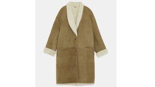 El famoso abrigo de Zara de piel de cordero que se ha agotado. Tiene...