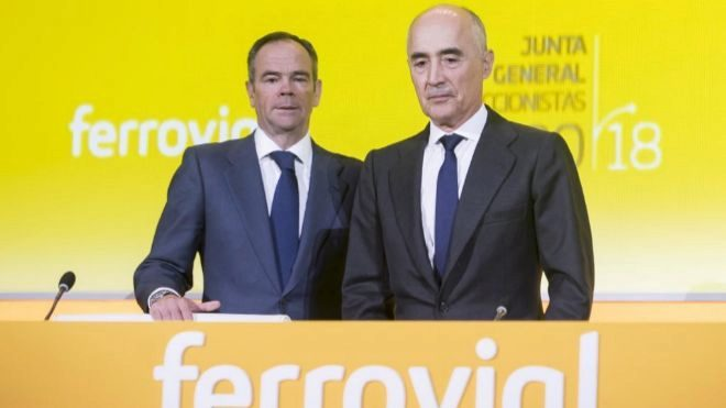 De izquierda a derecha, Íñigo Meirás y Rafael del Pino, consejero...